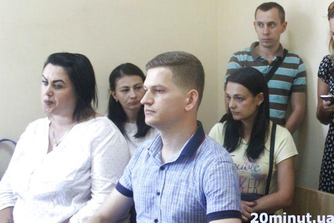 """Мама Рената закликає прийти на суд  проти """"нетернопільських дітей"""""""