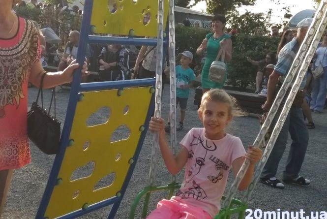 Хто відповідає за дитячі майданчики у Тернополі