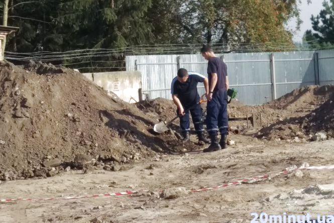 На будівництві казарм знайшли два снаряди