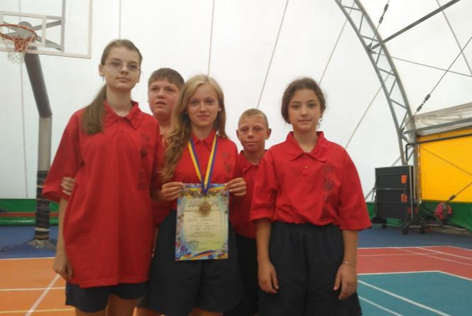 """Спортсмени """"Інваспорту"""" виборювали першість у настільному тенісі і шахах"""