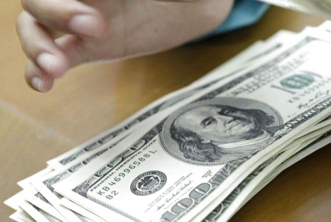 У тернополянина у закладі відпочинку викрали 700 доларів