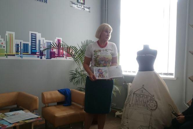 Валентина Семеняк розповіла дітям про Бурмотійка, Даринку і Бабу Сябу