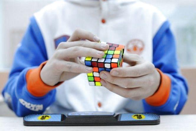 У Тернополі аматори змагатимуться із швидкісного складання кубика-Рубіка