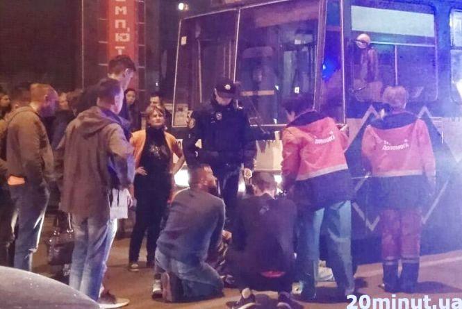 Аварія на Руській: таксі збило пішохода на переході. У Центрі затори (оновлено)