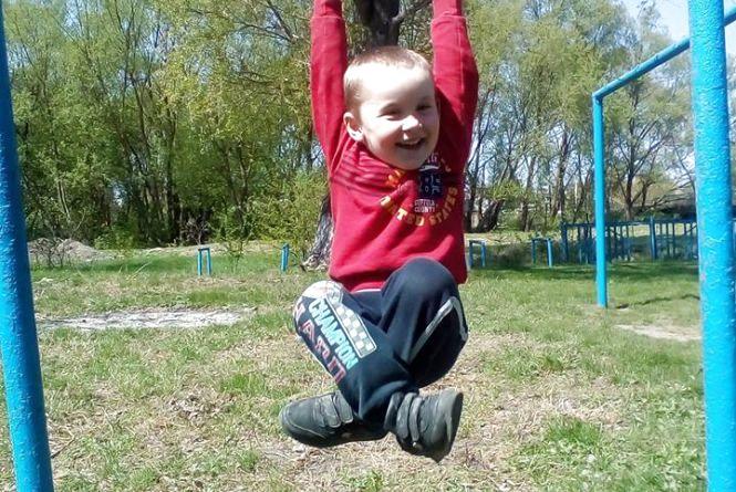 """""""Ще влітку ми не знали, що у нашого Павлика рак крові"""", - мати 4-річного хлопчика просить про допомогу"""