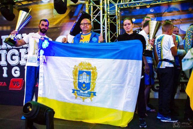 Тернопільські кікбоксери підкорюють профі-ринг та готуються до чемпіонату Європи