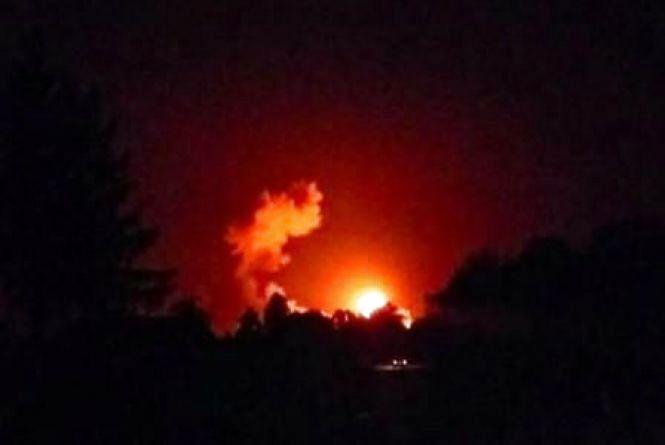 Увага! Надзвичайна подія! На Чернігівщині вибухають склади з боєприпасами: евакуйовують людей (оновлюється)