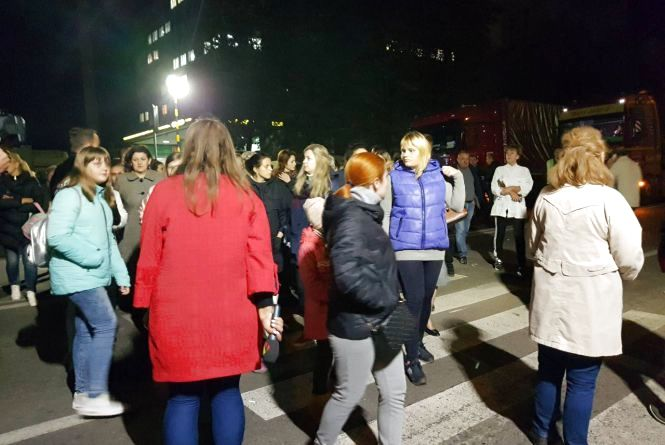 """Біля ринку """"Оріон"""" протестувальники на дві години перекрили дорогу (оновлено)"""