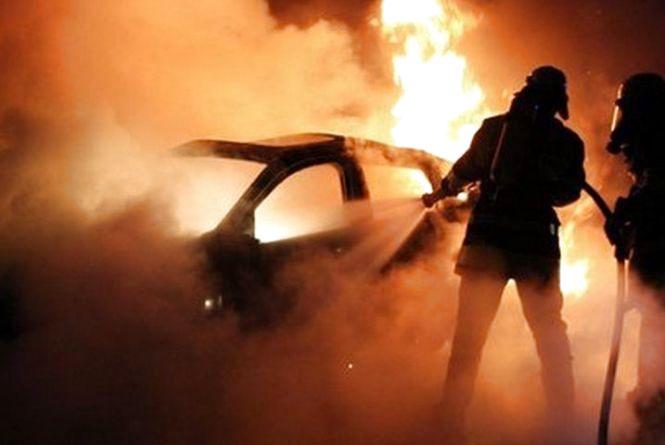 """Пожежа на """"Канаді"""": горіла автівкаBMW"""