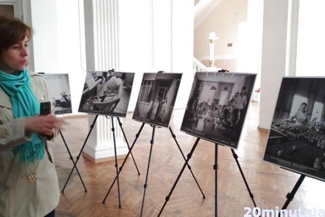 """В Українському домі """"Перемога"""" фотовиставка про життя людей у новостворених ОТГ"""