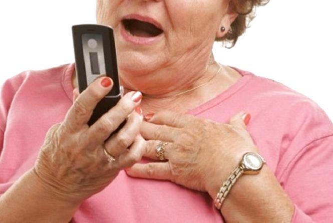 Телефонних шахраїв, які розводили людей на гроші, триматимуть під вартою