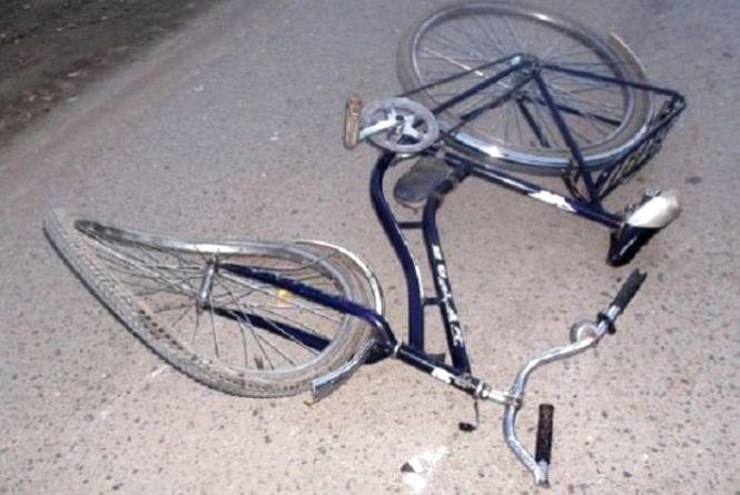 На Тернопільщині водій на автівці збив велосипедиста