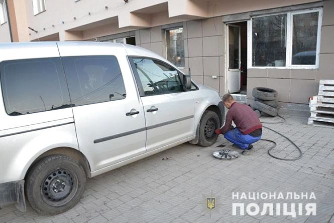 Крадіжка на СТО: молодий тернополянин відпросився у роботодавця, аби обікрасти його