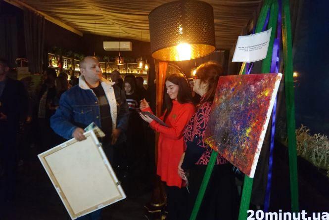 51 420 грн за 9 картин: у Тернополі провели аукціон заради хворих дітей