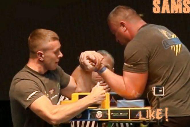 Лікарі продовжують боротися за життя Олега Жоха, який потрапив у ДТП разом із Пушкарем