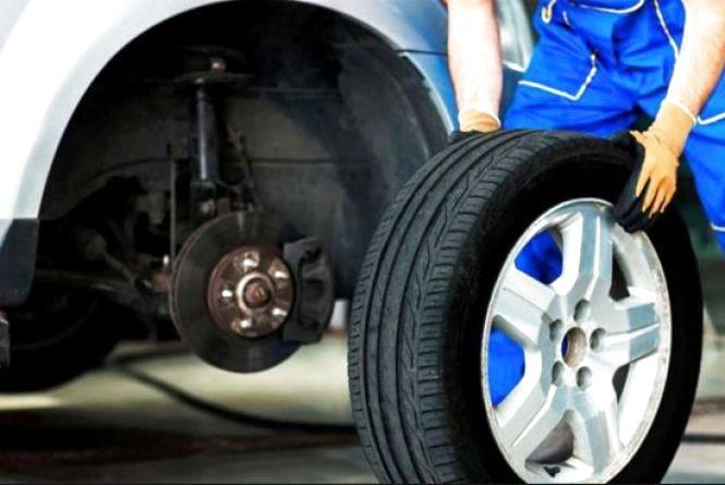 Поліція закликає водіїв поміняти шини в авто на зимові