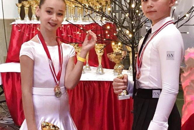 Маленька тернополянка виграла понад 50 медалей