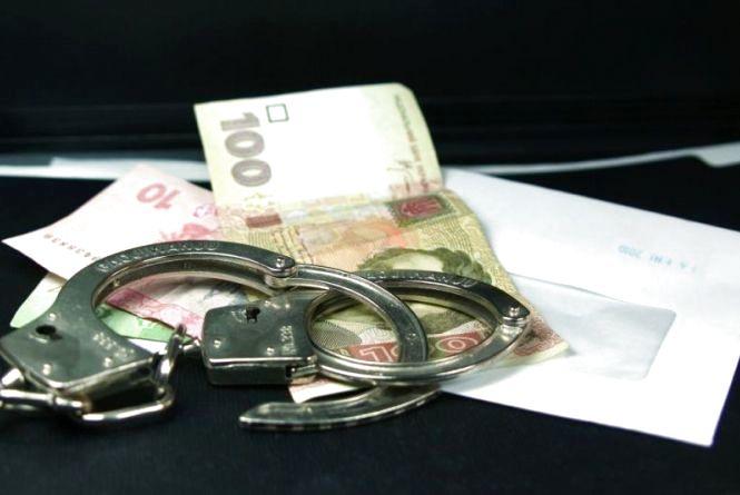 """Злодій """"розміняв"""" гроші в одному із супермаркетів Тернополя"""