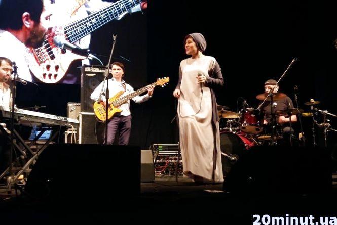 Сюрпризом тернопільського Jazz Bez стала Ірина Музика та гурт «Фіра»