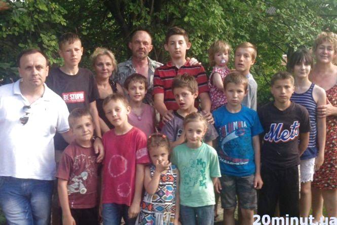 Прийомні дітки чекають на Святого Миколая: редакція «RIA плюс» відкрила збір подарунків