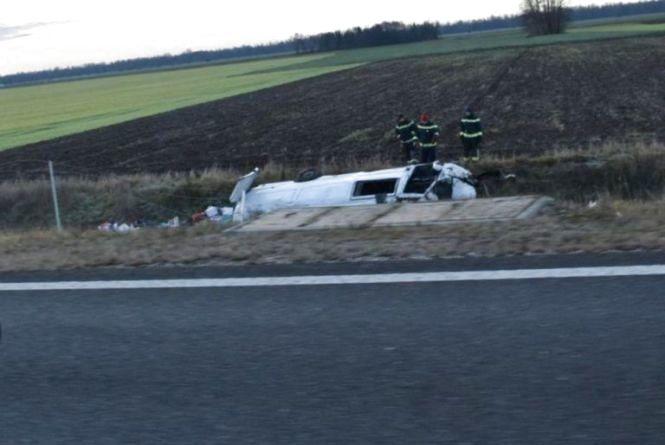 Смертельна аварія у Словенії: на трасі перекинулися два українські мікроавтобуси