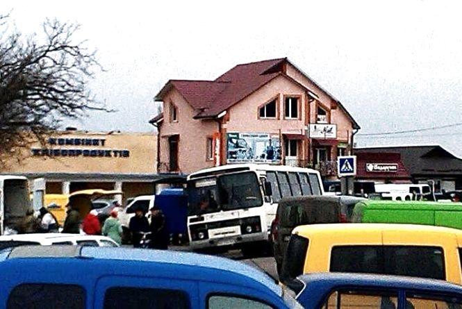 Транспортна блокада сіл на Кременеччині завершена