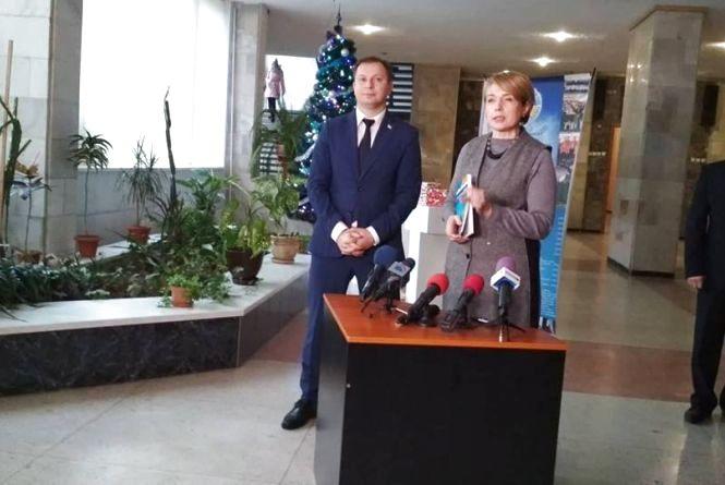 Міністр освіти Лілія Гриневич пояснила, чому тернопільські школярі кілька місяців вчились без підручників
