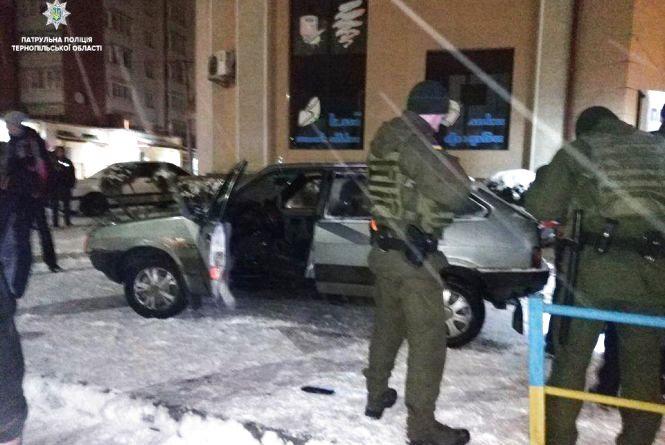 Нічна погоня у Тернополі: п'яний водій тікав від поліції і потрапив у ДТП