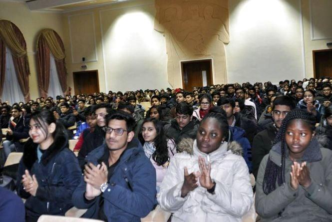 До Дня мігранта студентам-іноземцям розповіли про їхні права та обов'язки
