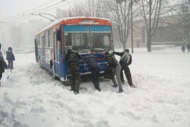 Чи задоволені ви прибиранням снігу у Тернополі? (опитування)