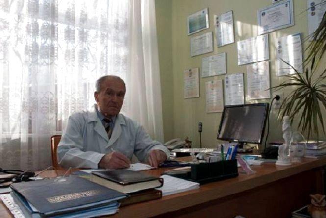 Помер відомий тернопільський лікар Василь Пришляк