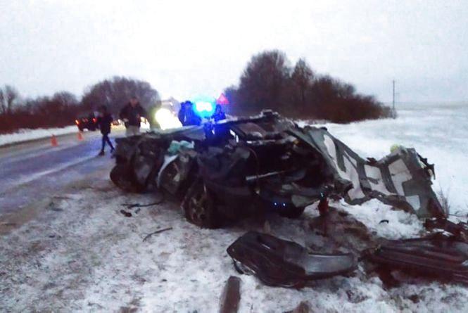 В аварії на Тернопільщині загинули водій та дитина. Двоє потерпілих забрала швидка