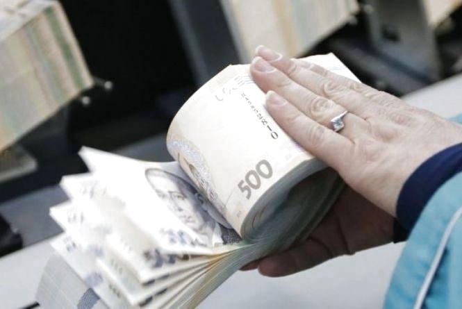 В Україні збільшили мінімальну зарплату. На скільки вам вистачить її? (опитування)