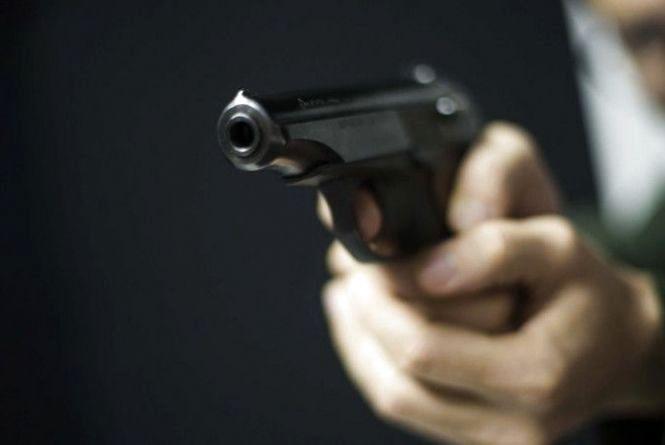 На Тернопільщині у клубі підстрелили молодого чоловіка