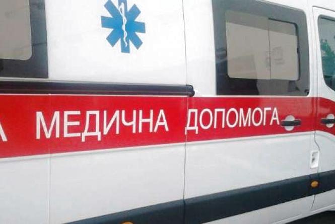 У Тернополі чоловік впав у двометровий котлован, який вирили комунальники