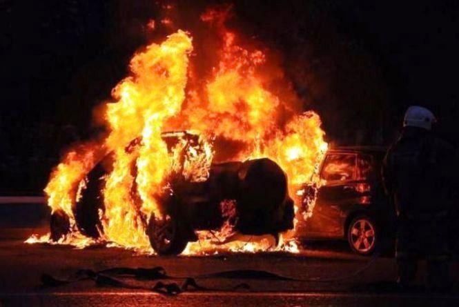 Чоловік спалив машину колишньому зятю
