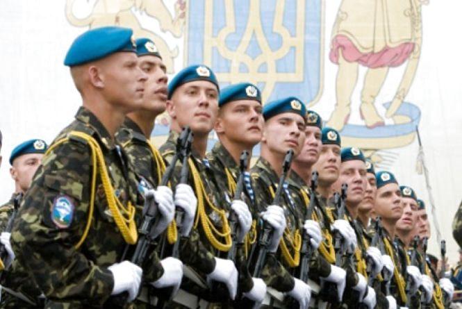 Згадуємо 2018-ий: воєнний стан, будівництво житла для військових. А  жінки у формі здивували всю Україну