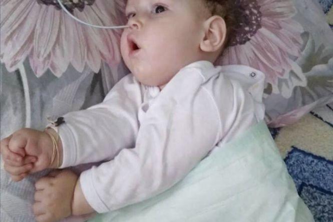 """""""Його мучать судоми щодня"""". Мати 10-місячного Артемка просить допомоги для важкохворого сина"""