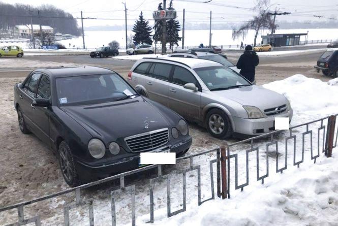 Тільки за три дні інспектори з паркування зафіксували у Тернополі 70 водіїв-порушників