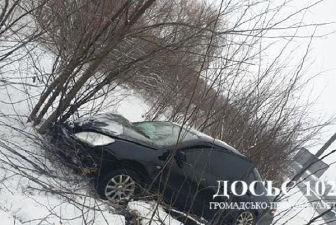 ДТП біля Березовиці: водій заснув і врізався у автобус