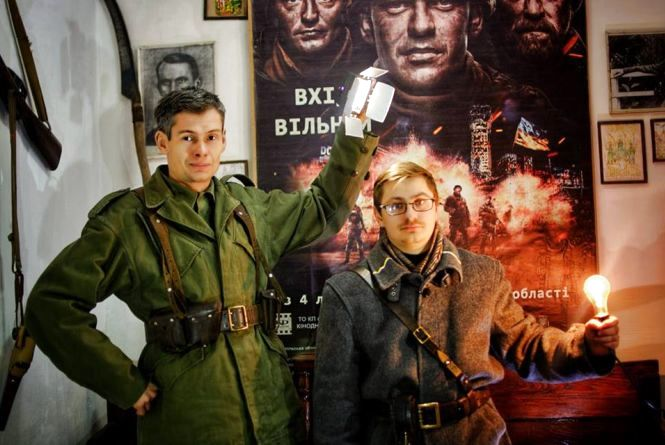 У Копичинцях знімають фільм про повстанців: сценарій писали у бункері, костюми шили вночі