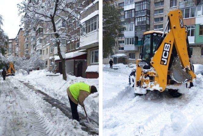 Хто, як і коли має чистити сніг у дворах? І куди скаржитись, якщо через кучугури не пройти