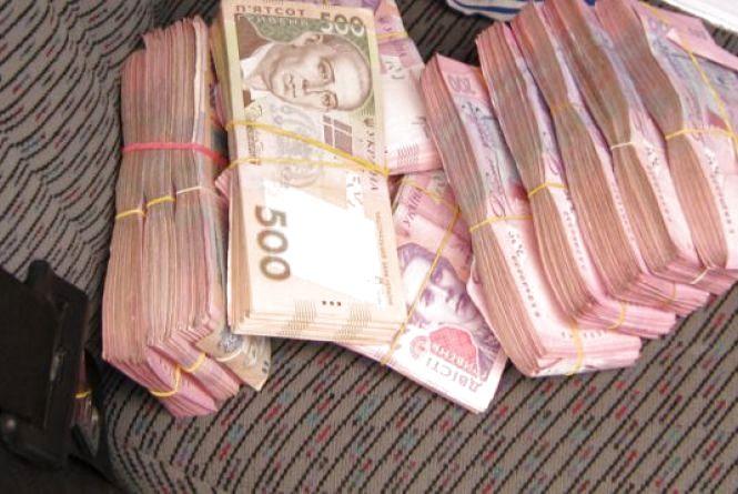Чоловік викрав у товариша з автомобіля 23000 грн