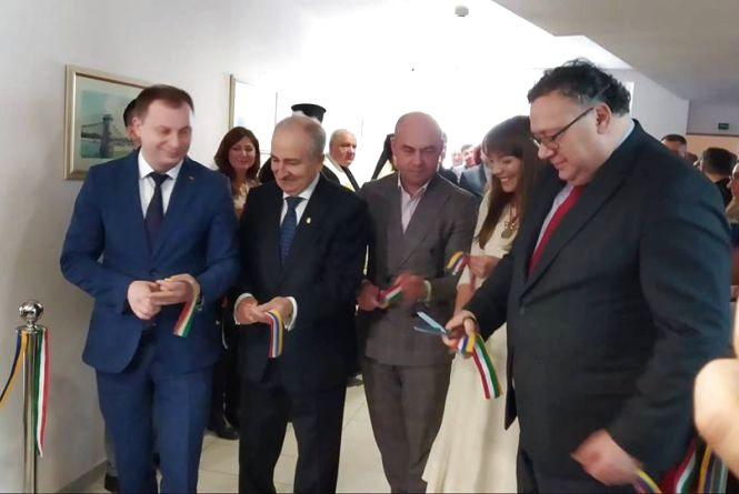 У торговому центрі в Тернополі відкрили консульство Угорщини