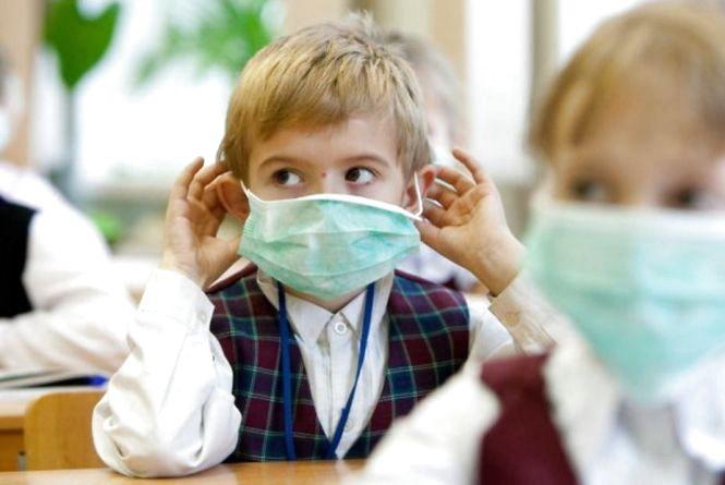 У Тернополі все більше класів закривають на карантин. Чи буде епідемія грипу (запис прямої трансляції)