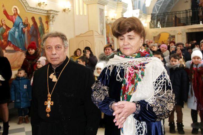 """""""Я кохаю його ще сильніше"""". Пара з Тернопільщини відновила шлюбні обітниці через 50 років"""