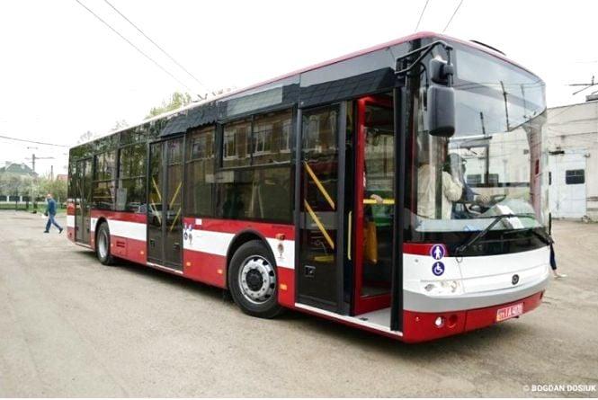"""На """"нові"""" автобуси виділять більше 15 мільйонів"""