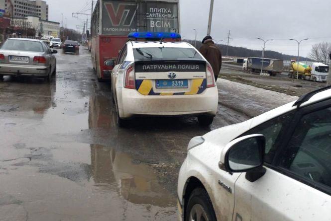 У Тернополі зупинили п'яного водія тролейбуса (оновлено)