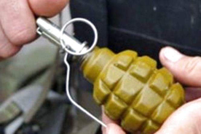 У центрі Тернополя чоловік знайшов гранату