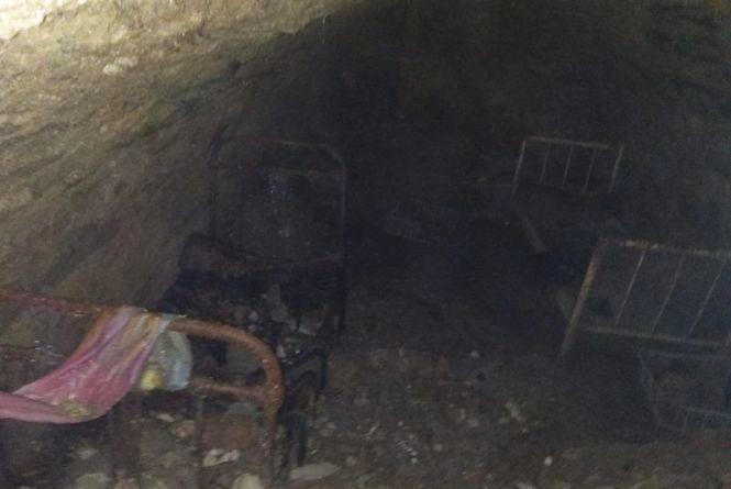 У центрі Чорткова під землею випадково знайшли кімнату